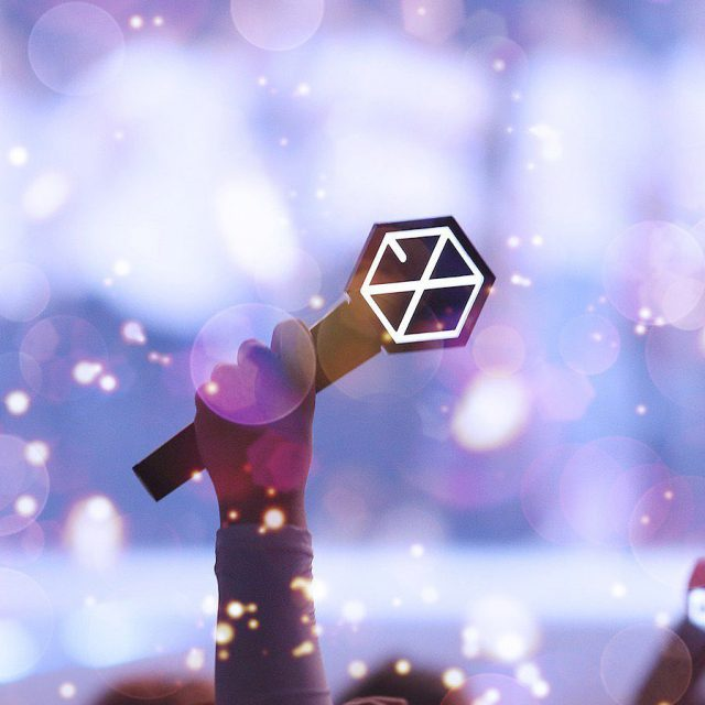 Times when EXO showed their love for EXOLs #5YearsWithEXOL